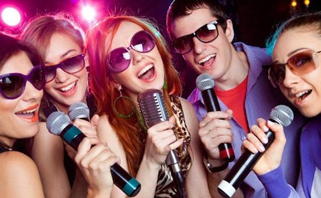 hoc tieng anh qua viec hat karaoke
